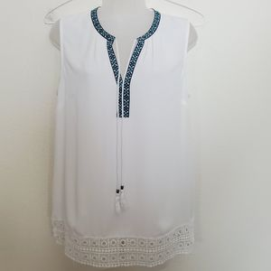 Daniel Rainn White Sleeveless Tie V-Neck Top